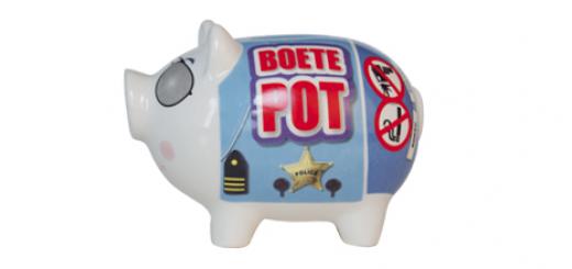 Bron: Feeststation.nl - http://www.feeststation.nl/product/7/4336/Spaarvarken-Boete-Pot.html